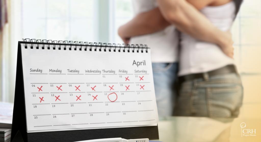 Calendário de mesa com os dias assinalados